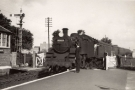 10123-15-12-4e-topsham-station-passing-token-15aug1959-spja-derek