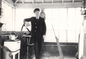 Signalman Reg Salway in Topsham signalbox in 1971